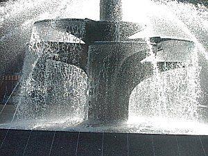 tnm_fountain.jpg